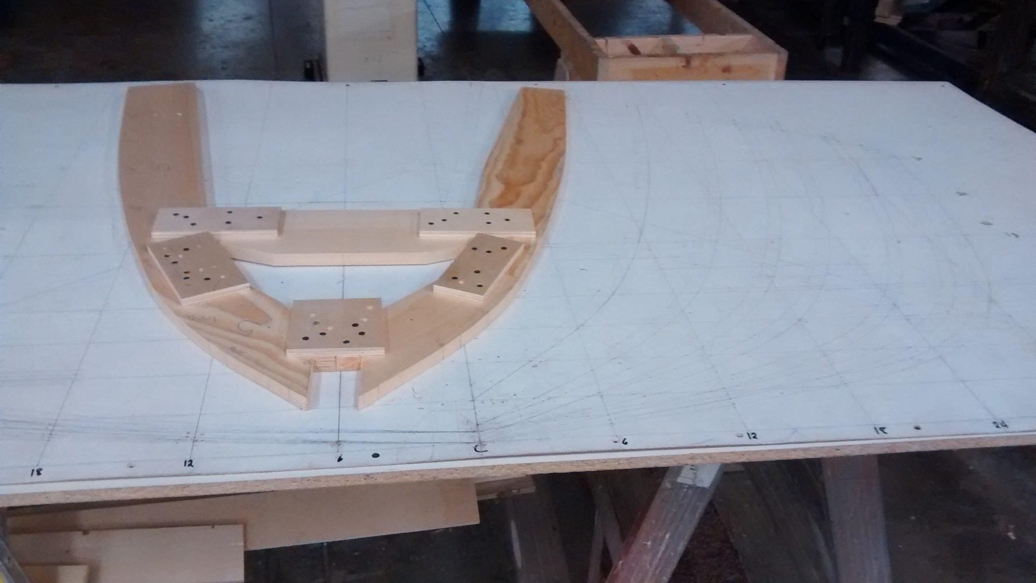 Molde construído com base no Plano de linhas (Balizas) após processo de lofting (Fonte: Cassio Neres)