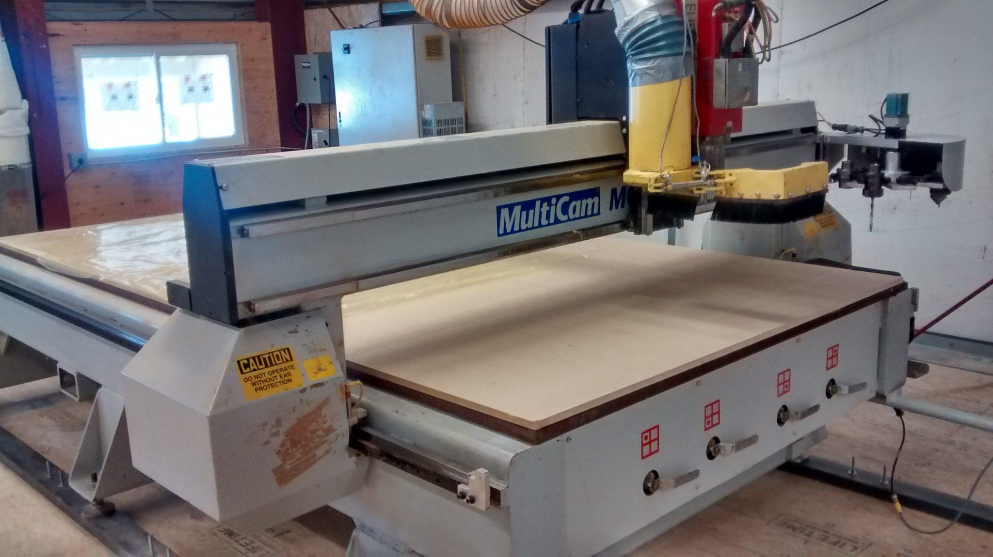 Máquina de corte numérico - CNC