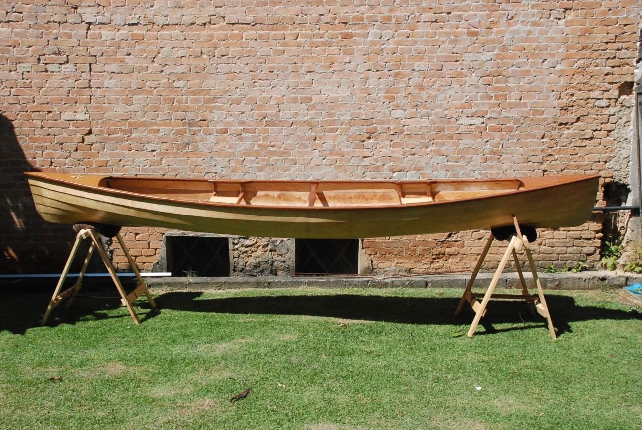 Canoa Canadense 14 pés construída em Stitch and Glue
