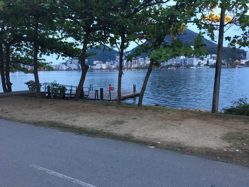 Pier na orla da Lagoa, ao lado da ciclovia (Fonte: BRANA).