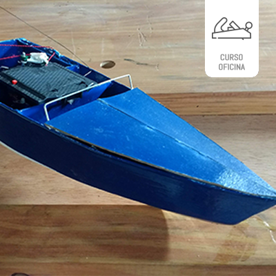Modelo barco de controle remoto